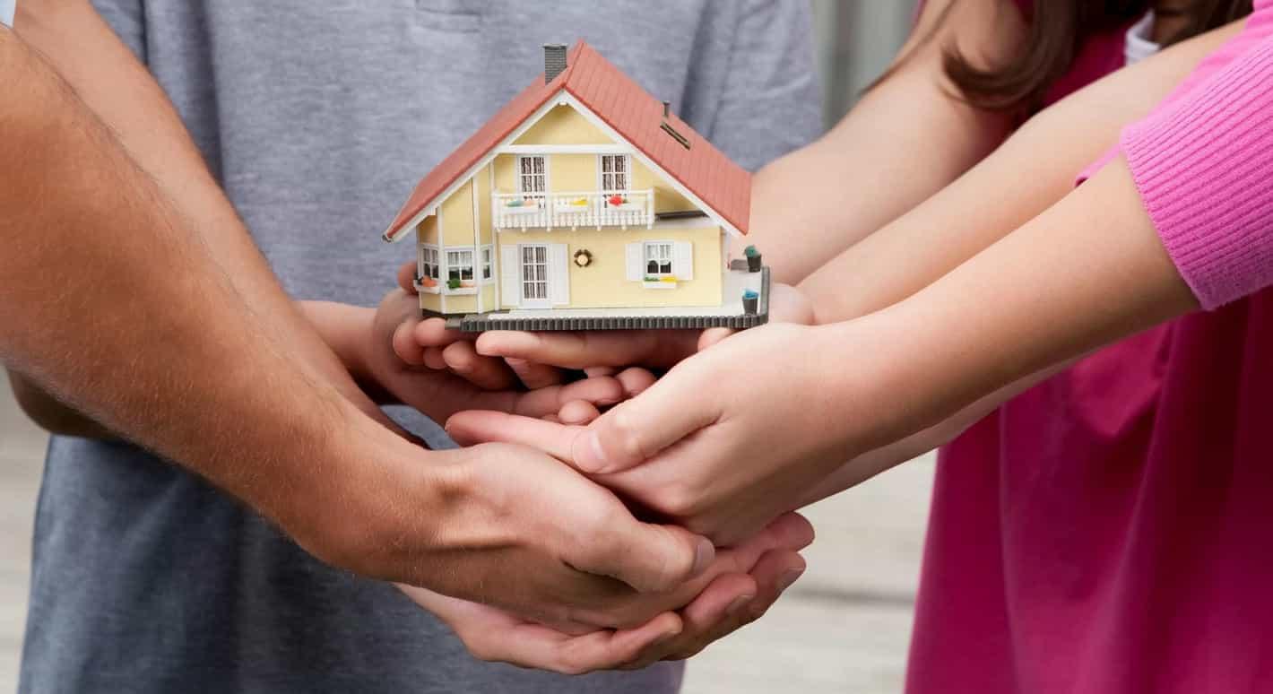 Купівля-продаж нерухомості між родичами