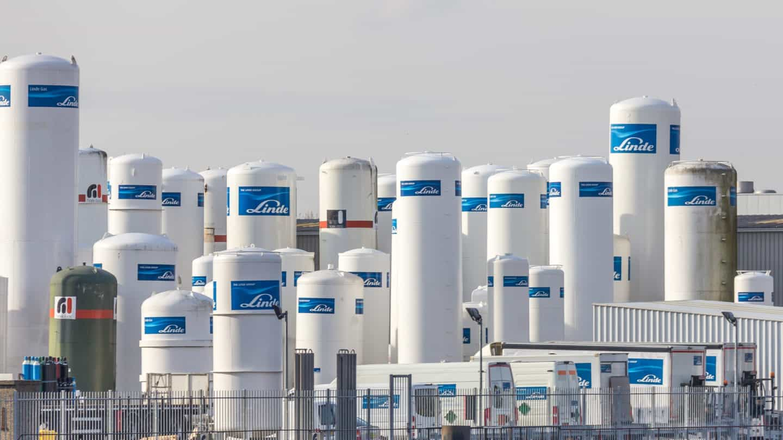 Storage tanks by Linde group Schiedam 8228